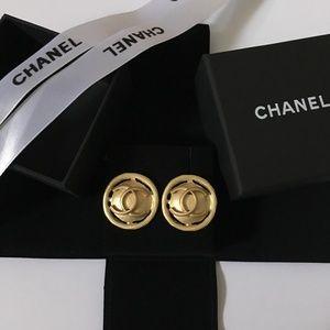 VTG style gold earrings